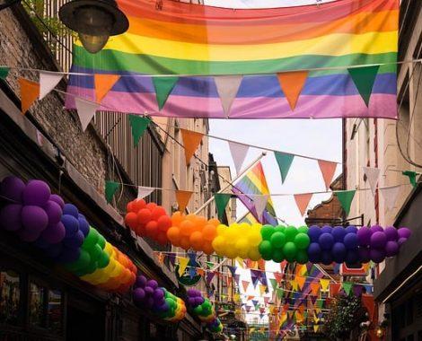 gay-2507365_640